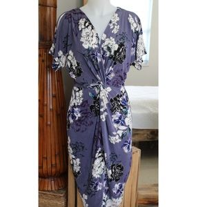 NWOT Jennifer Lopez floral knot twist fitted dress
